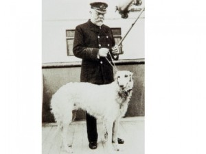 "∫ Captain Smith's dog ""Ben"", who was left behind just before the maiden voyage of the Titanic."