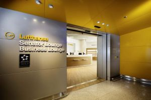lufthansa-senator-and-business-class-lounge_bb73b2_640_0_0
